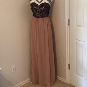 Windsor Long gown size M Mocha color